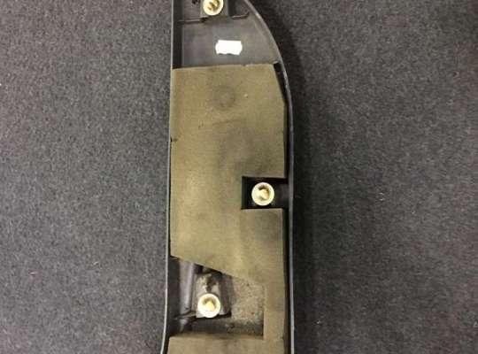 купить Накладка стойки (внутренняя) на Renault Master III