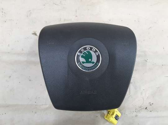 Подушка безопасности водителя (AirBag) на Skoda Fabia II (5J)