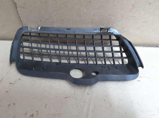 купить Решетка (заглушка) бампера на Volkswagen Golf III (1H)