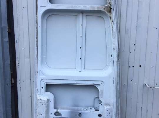купить Дверь задняя на Renault Master III