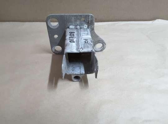 купить Кронштейн усилителя переднего бампера на Renault Scenic II