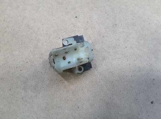 купить Кнопка блокировки двери на Jeep Grand Cherokee I (ZJ)