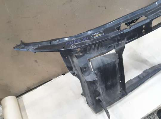 Панель передняя (телевизор) на Skoda Fabia II