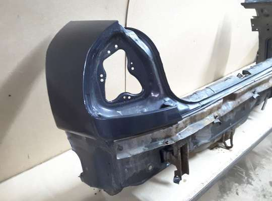 купить Задняя панель багажника на Mitsubishi Carisma