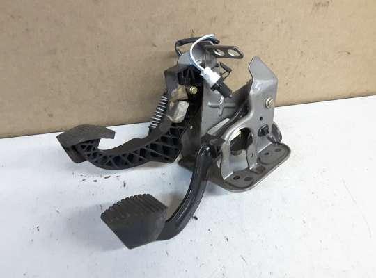 купить Педальный узел (педаль) на Peugeot 307