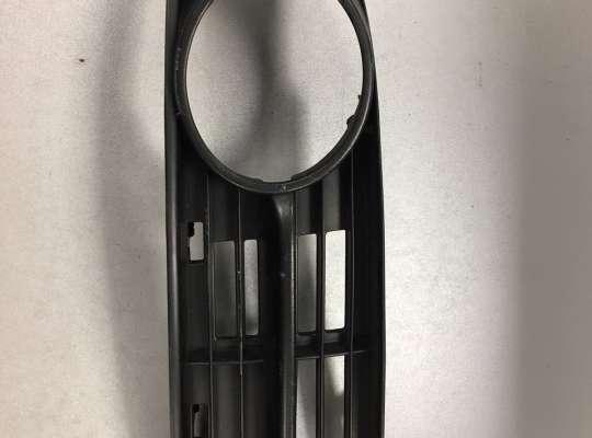 купить Решетка (заглушка) бампера на Volkswagen Touran I (1T)