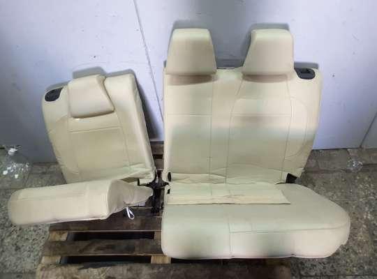 купить Чехлы сидений на Peugeot 2008