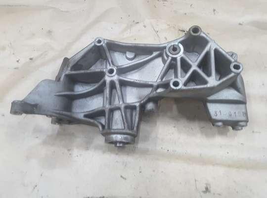 купить Кронштейн генератора и ГУР на Audi A4 (8D, B5)