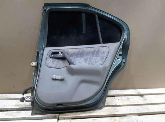 купить Дверь боковая на Nissan Primera (P11)