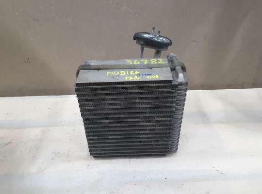 Радиатор отопителя (печки) на Daewoo Nubira II