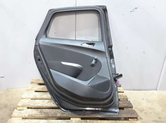 купить Дверь боковая на Opel Astra J