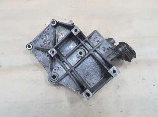 купить Кронштейн компрессора кондиционера на Volkswagen Passat B5 (3B)