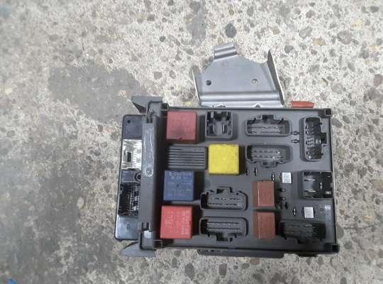 купить Блок предохранителей на Renault Laguna II