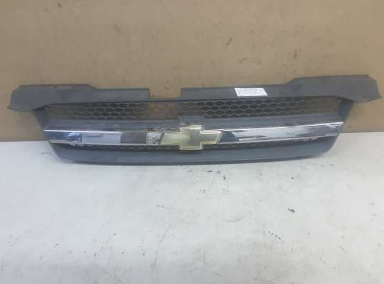 купить Решетка радиатора на Chevrolet Aveo I (T200/T250)