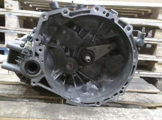 МКПП - Механическая коробка на Kia Carnival I (UP, GQ)