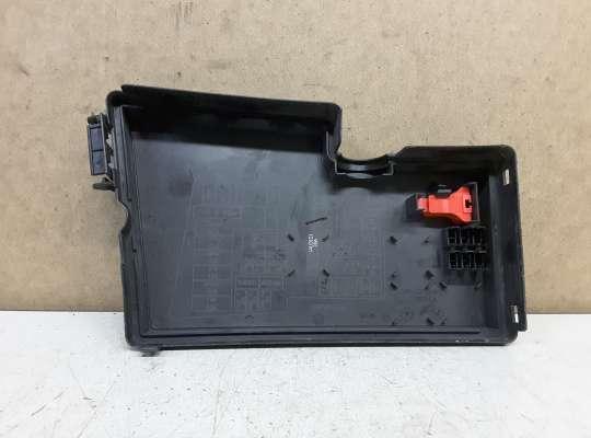 купить Крышка блока предохранителей на Mazda 3 I (BK)