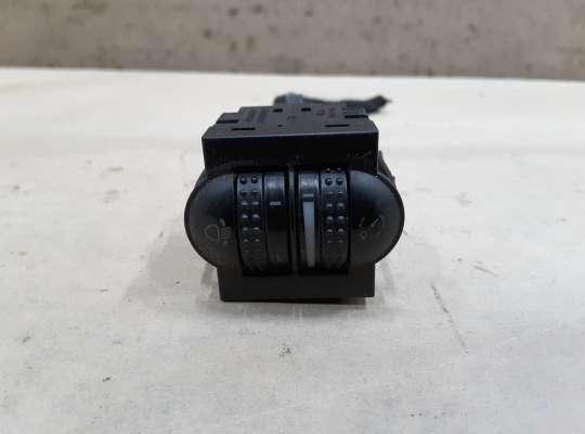 купить Кнопка регулировки фар и подсветки на Volkswagen Passat B5 (3B)