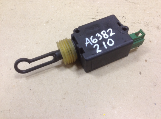 купить Активатор замка багажника на Audi A6 (C5)