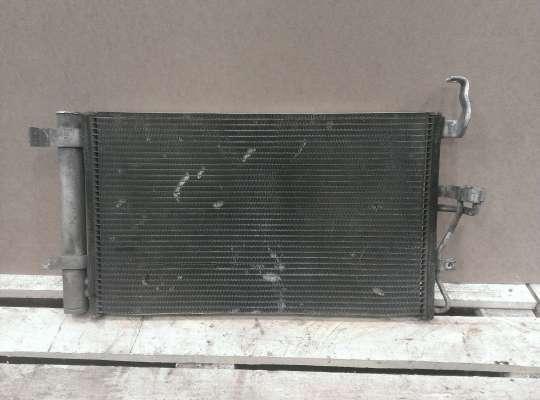 Радиатор кондиционера на Hyundai Elantra III (XD +ТАГАЗ)