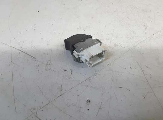 купить Кнопки стеклоподъемника на Renault Megane II