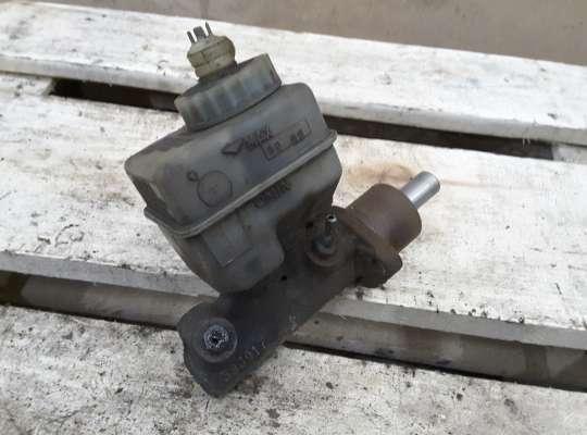 купить Главный тормозной цилиндр (ГТЦ) на Volkswagen Passat B3 (35i)