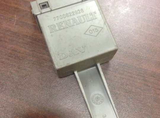 купить ЭБУ ДВС (блок управления двигателем) на Renault Laguna I