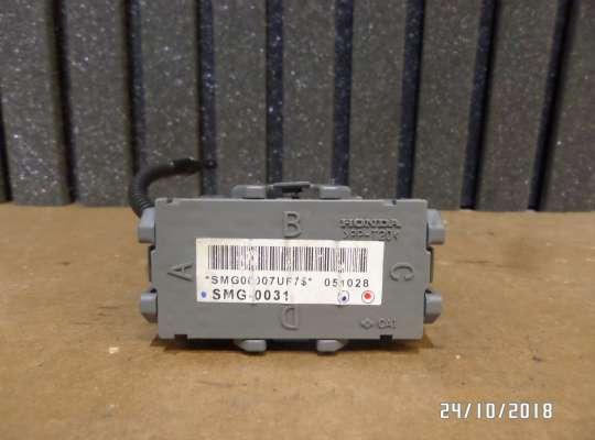 купить Блок предохранителей на Honda CR-V II (RD_)
