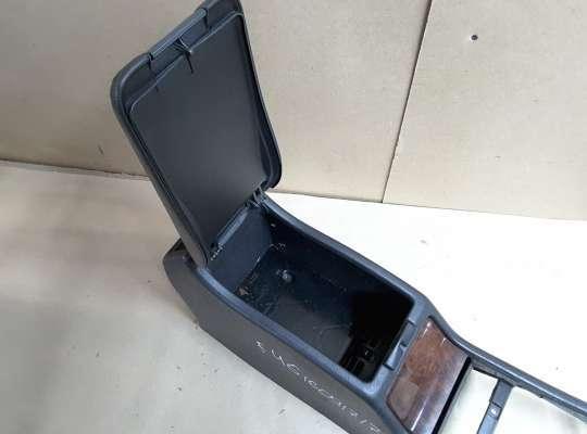 купить Подлокотник на Mercedes-Benz E (W210)