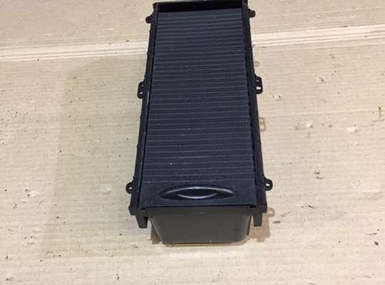 купить Бардачок центральной консоли на Honda Civic VIII (4D, 5D)