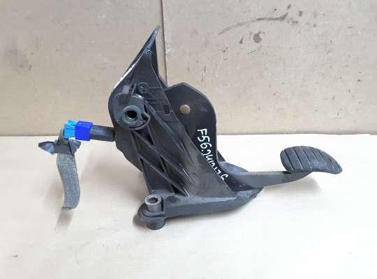 купить Педаль сцепления на Renault Laguna II