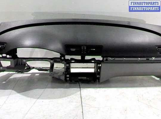 Панель передняя салона (Торпедо) на Volkswagen Passat B6