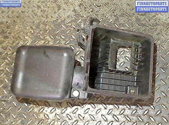 Корпус воздушного фильтра на Subaru Tribeca