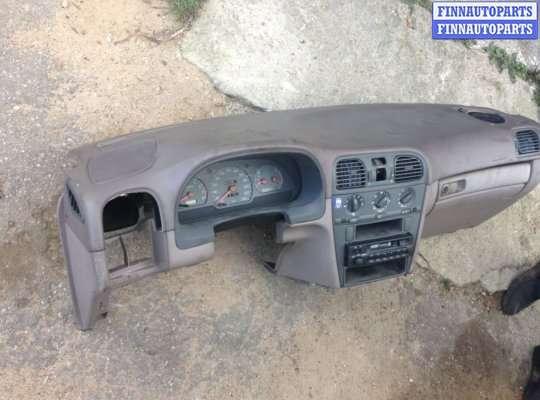 Панель передняя салона (Торпедо) на Volvo S40 I