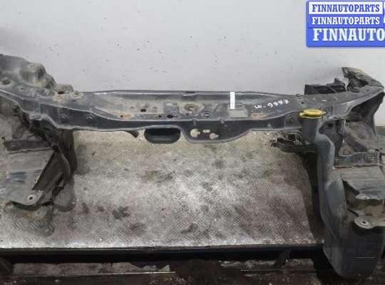 Рамка капота (верхняя планка) на Opel Astra H / Classic