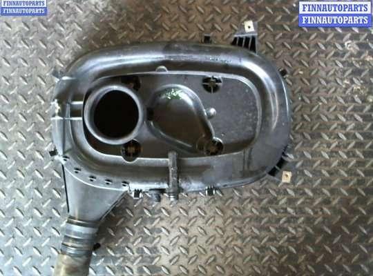 Корпус воздушного фильтра на Mercedes-Benz 190 W201