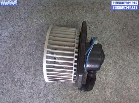 Мотор отопителя (печки) на Nissan Pathfinder II (R50)
