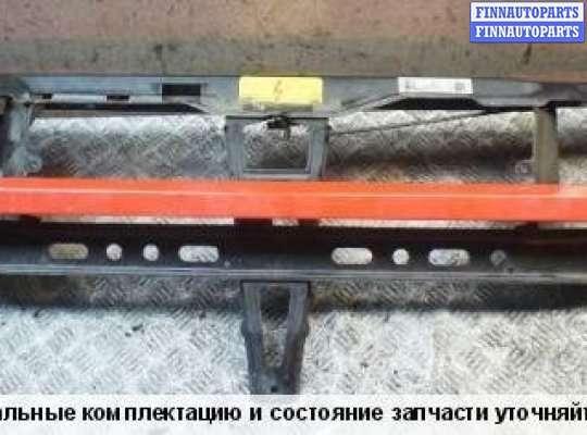 Рамка капота (верхняя планка) на SEAT Toledo I (1L)