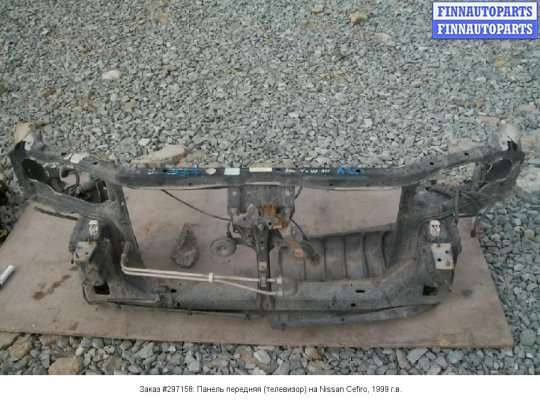 Панель передняя (телевизор) на Nissan Cefiro 33
