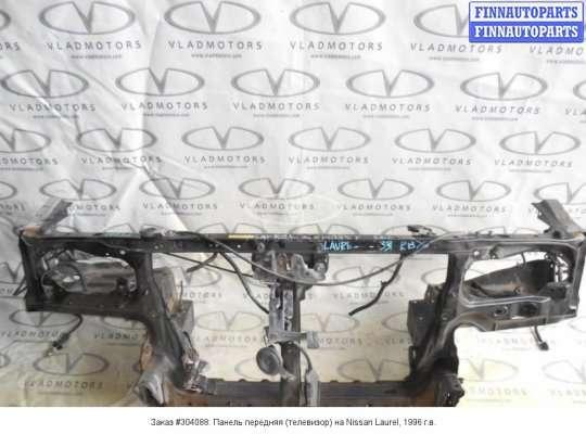 Панель передняя (телевизор) на Nissan Laurel (C34)