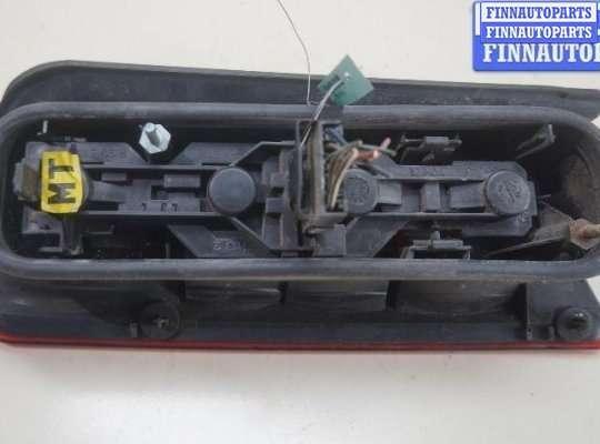 Фонарь крышки багажника на Opel Combo B