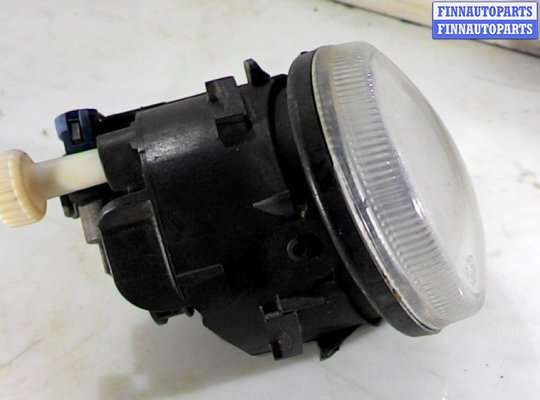 Фара противотуманная (ПТФ) на Nissan Tino V10