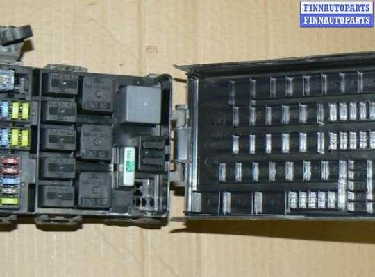 Блок предохранителей на Ford Explorer III (U152)
