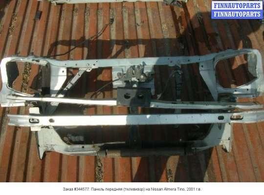 Панель передняя (телевизор) на Nissan Tino V10