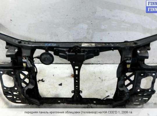 Панель передняя (телевизор) на Kia Cee'd I