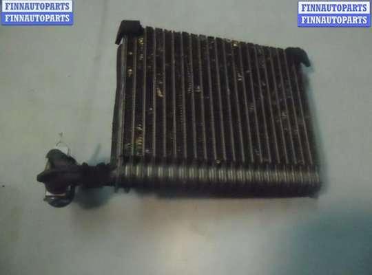 Радиатор кондиционера на Pontiac Vibe