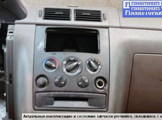 Панель передняя салона (Торпедо) на Ford Tourneo Connect