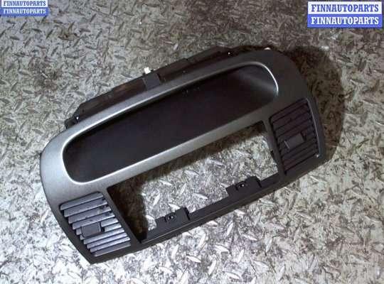 Дисплей бортового компьютера на Toyota Camry XV30