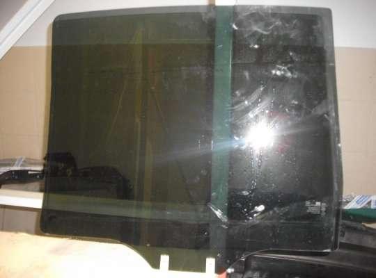 Стекло боковое двери на Hyundai Matrix