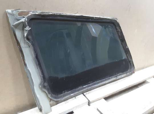 Стекло кузовное боковое на SsangYong Musso FJ