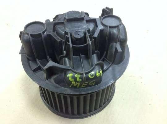 Мотор отопителя (печки) на Renault Grand Scenic II